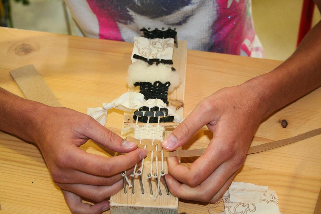 Atelier-Créatifs-Enfants-Apprendre-Tisser