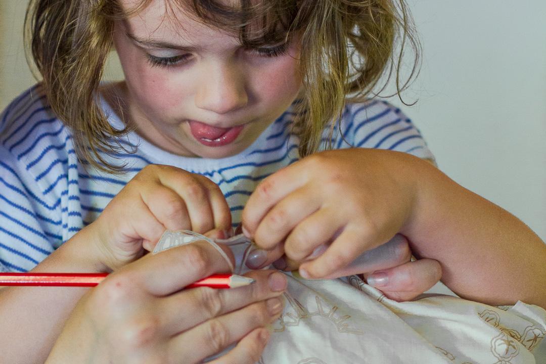 Atelier-Créatifs-Enfants-Laine-Coussin-Ardèche