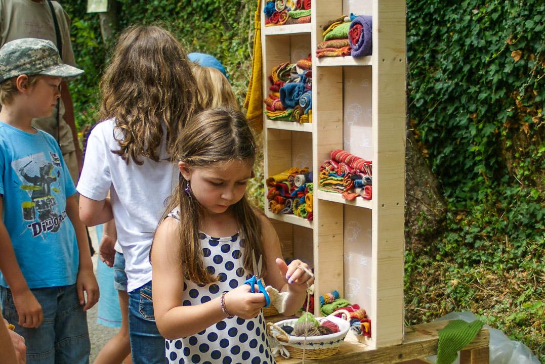 Atelier-Créatifs-Enfants-Que-Faire-Avec-Chute-Tricot