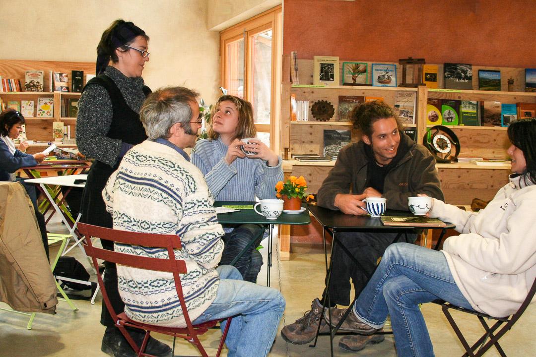 Cafe-Librairie-Accueil-Groupe-Tourisme-Ardelaine