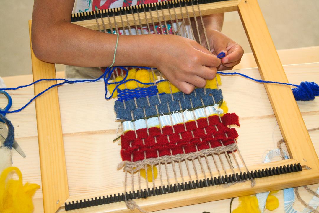 Loisirs-Créatifs-Enfants-Faire-Tissage-Familles
