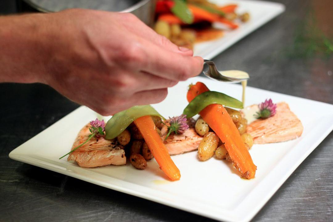 Restaurant-Ardeche-Cerise-lagneau-Saint-Pierreville-Truite