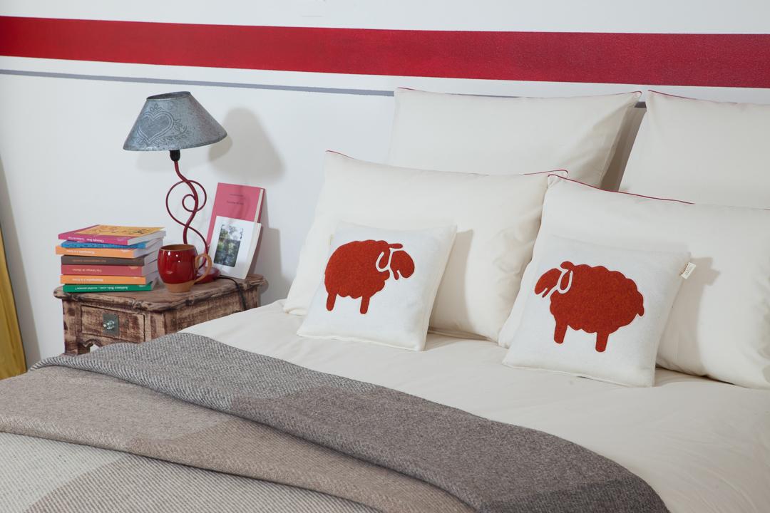 chambre ardelaine literie laine naturelle fabriqu e en france ardelaine. Black Bedroom Furniture Sets. Home Design Ideas