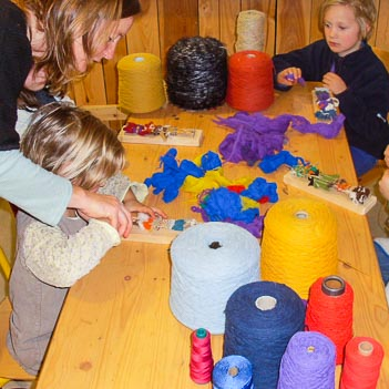 Atelier-Laine-Creatif-Enfants-Loisirs-Ardelaine