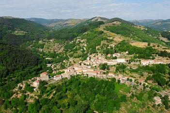 Saint-Pierreville-Ardeche-Village-Ardelaine