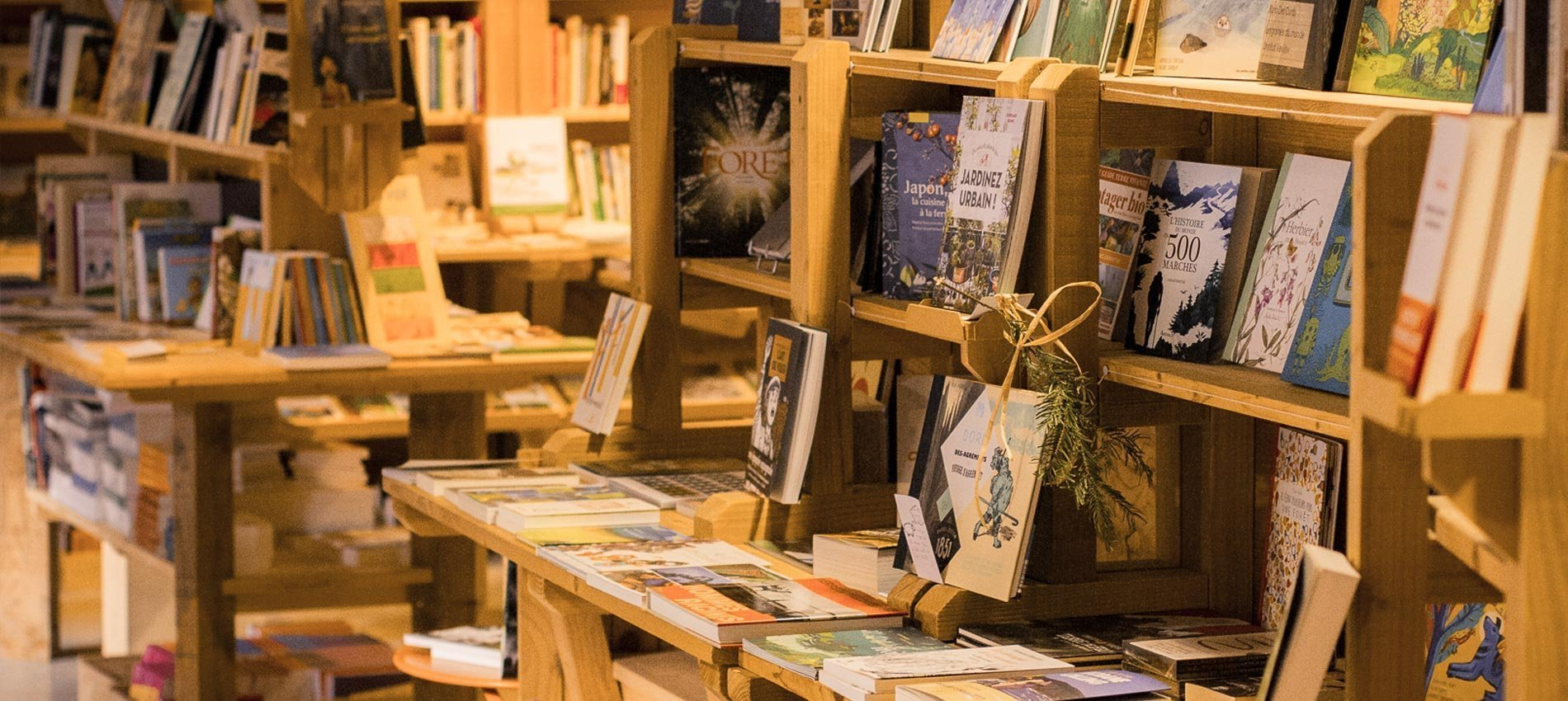Cafe-Librairie-Thematique-Alternative-Ardelaine-Saint-Pierreville-Ardeche